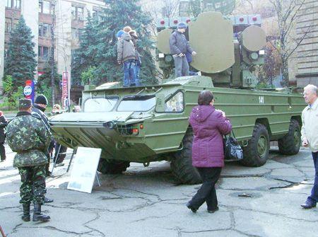 Военный парад со слезами на глазах (ФОТОРЕПОРТАЖ)