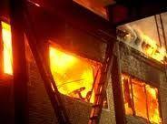 В Полтавской области эвакуировали около 1 тыс. учеников и педагогов из-за пожара в учебно-воспитательном комплексе