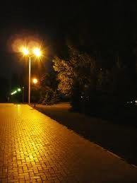 На улицах города теперь светлее