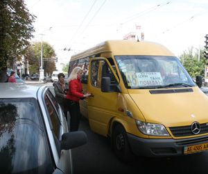 Водителей маршруток за ударный труд будут наказывать
