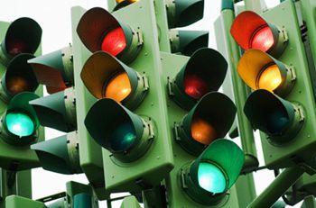 На проспекте Правды поставят «говорящие» светофоры