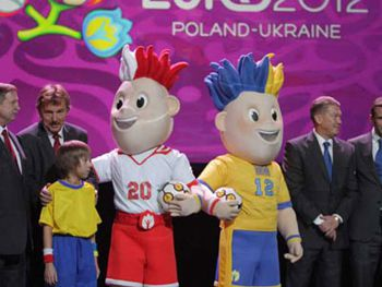 Талисманов Евро-2012 назвали Славек и Славко