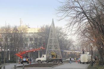 Губернатор Днепропетровщины вкрутил 100 тысяч лампочек