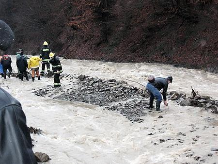 Паводок в Закарпатье: cотни эвакуированных, один пропал без вести