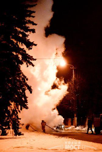 Ночью 16 декабря на проспекте Гагарина вспыхнула иномарка