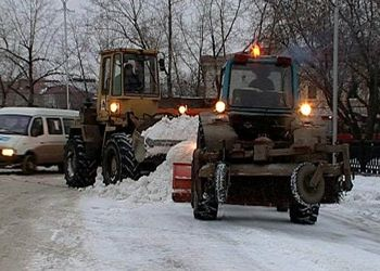 Днепропетровск борется со снегом и льдом