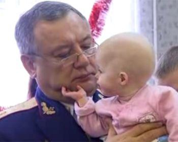 В Днепропетровске дети без родителей обзавелись крестными за один день