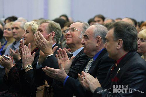 Днепропетровск подарил Киеву мемориальную доску Лесю Курбасу