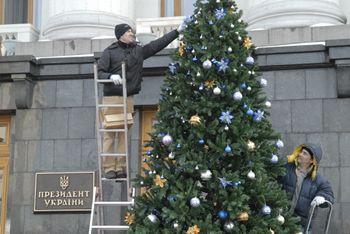 Президент записал новогоднее поздравление с шестого раза