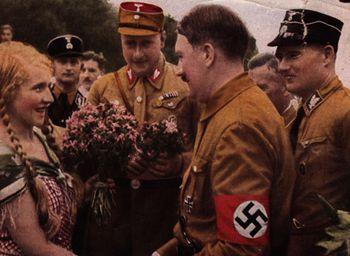 Третий рейх за 8 дней: туристов будут возить по гитлеровским местам