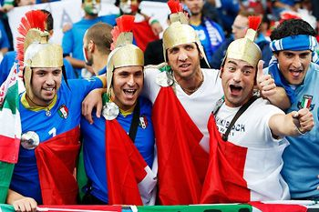 В Украине познакомились с европейскими футбольными хулиганами