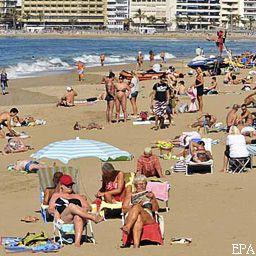 В Египте остаются около тысячи украинских туристов