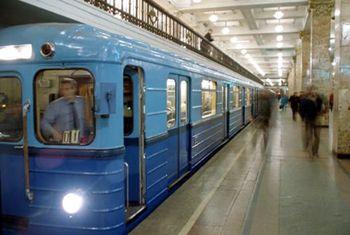 Азаров выделил 20 млн грн на метро в Днепропетровске
