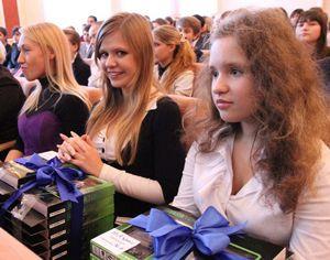 Кабмин купит учебники 11-классникам на 120 млн грн