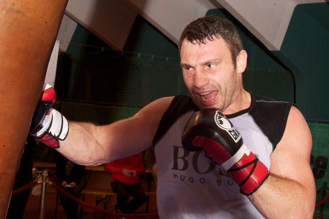 Виталий Кличко завершает подготовку к поединку с Одланьером Солисом