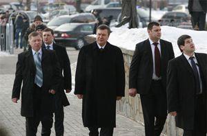 Охранники Януковича знают 3 языка и имеют высокий уровень IQ