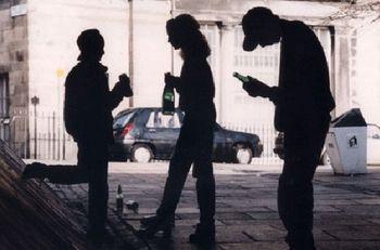 Двум подросткам грозит 6 лет тюрьмы за сигареты и пиво