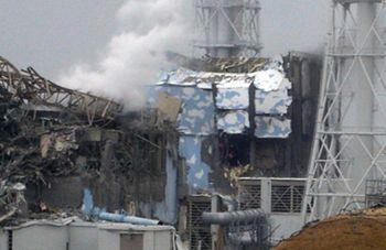 На двух энергоблоках АЭС «Фукусима» начало плавится ядро реактора
