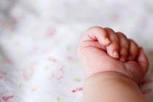 На Днепропетровщине врачи закапывали мертвых младенцев вместе с отходами