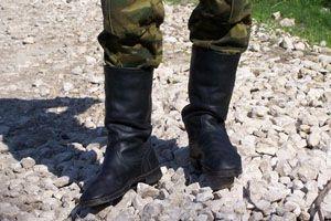 В Кривом Роге солдат застрелился, получив приглашение на свадьбу девушки