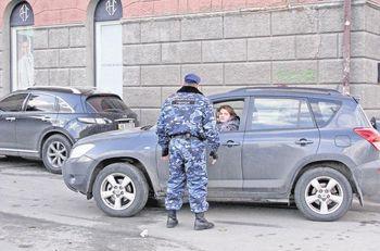 В Днепропетровске депутаты грозят мэру уголовным кодексом за гвардейцев