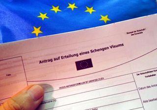 Страны Шенгена усложнили выдачу виз украинцам