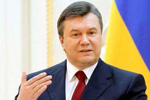 Янукович наградил орденами руководство ФК Шахтер
