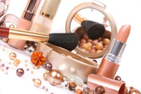 Ожирение могут провоцировать косметика и шампунь