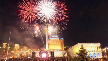 На фейерверке на День Независимости экономить не будут, а на парадах и медалях сэкономят более 180 млн. грн.