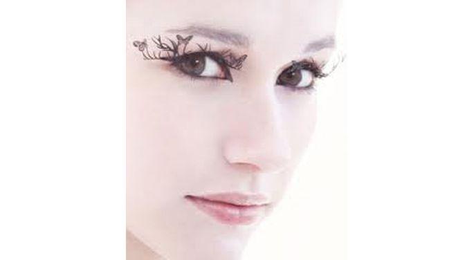 Модный макияж наступающей осени 2011