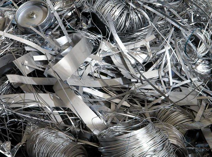 Украина пятый месяц подряд не экспортирует металлолом, наращивая его импорт