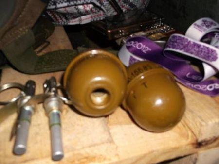 На блокпосту гаишники поймали донетчанина с гранатами