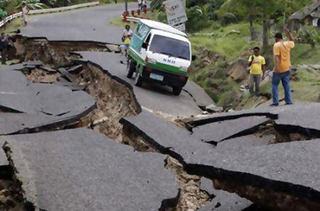 В Непале число жертв землетрясения превысило 3,4 тыс. человек