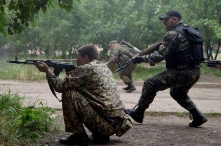 Боевики 9 мая планируют расстрелять мирную демонстрацию в Донецке, - АПУ