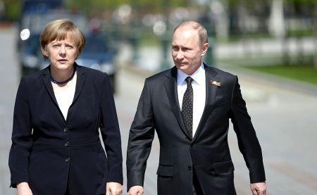 Путін пообіцяв Меркель, що Москва вплине на ДНР і ЛНР для врегулювання кризи на Сході
