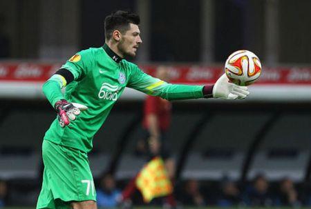 Вратарь «Днепра» - лучший футболист плей-офф Лиги Европы