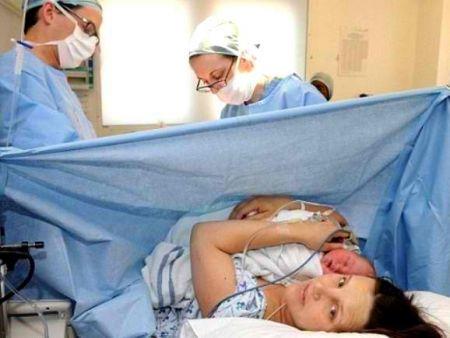 В больнице Мечникова спасли впавшую в кому роженицу