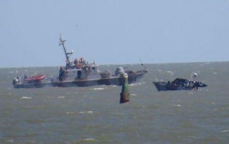 В Азовском море продолжаются поиски пограничника с катера, взорвавшегося под Мариуполем