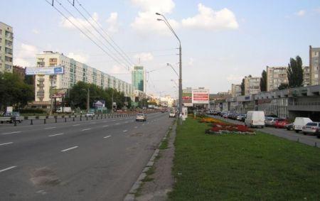 В Киеве неизвестные обстреляли из пистолета прохожих, 2 раненых