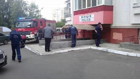 Во Львове возле райотдела на растяжке с гранатой подорвался милиционер