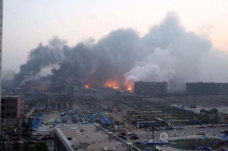 В Китае взорвались цистерны с горючим в городском порту