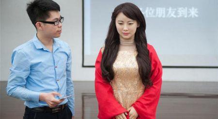 Китайские ученые создали женщину-киборга