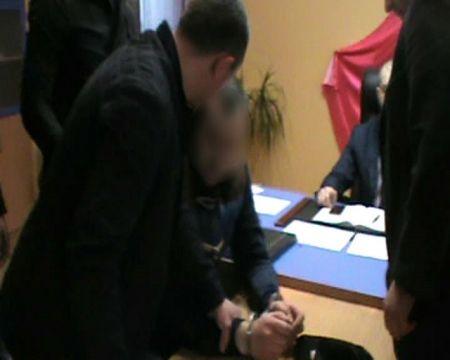 На Днепропетровщине задержали мужчину, который предлагал взятку прокурору