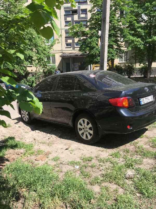 Водители отвоевали парковку у пенсионеров