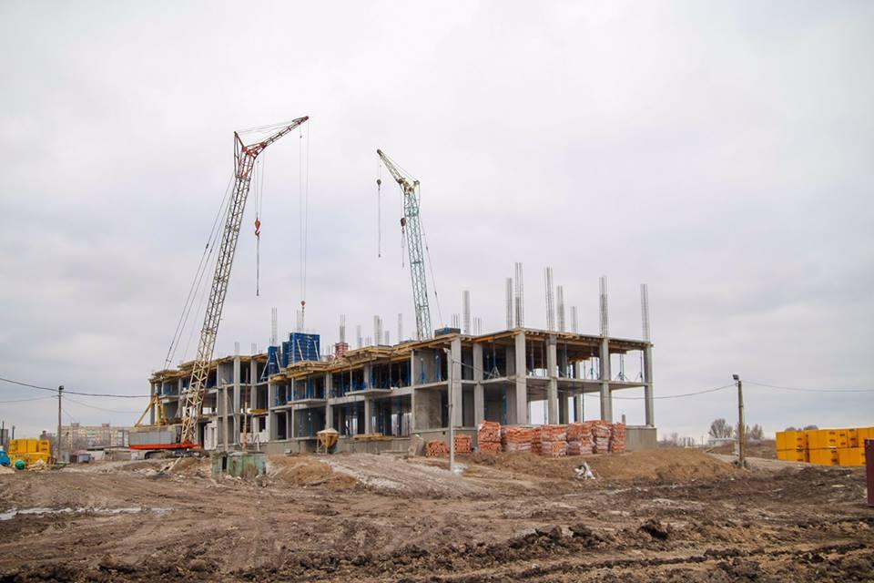 В поселке Слобожанское строят девятиэтажный дом