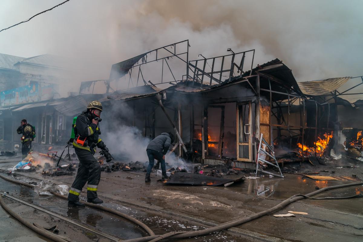 В Службу спасения о пожаре сообщили в 11:33