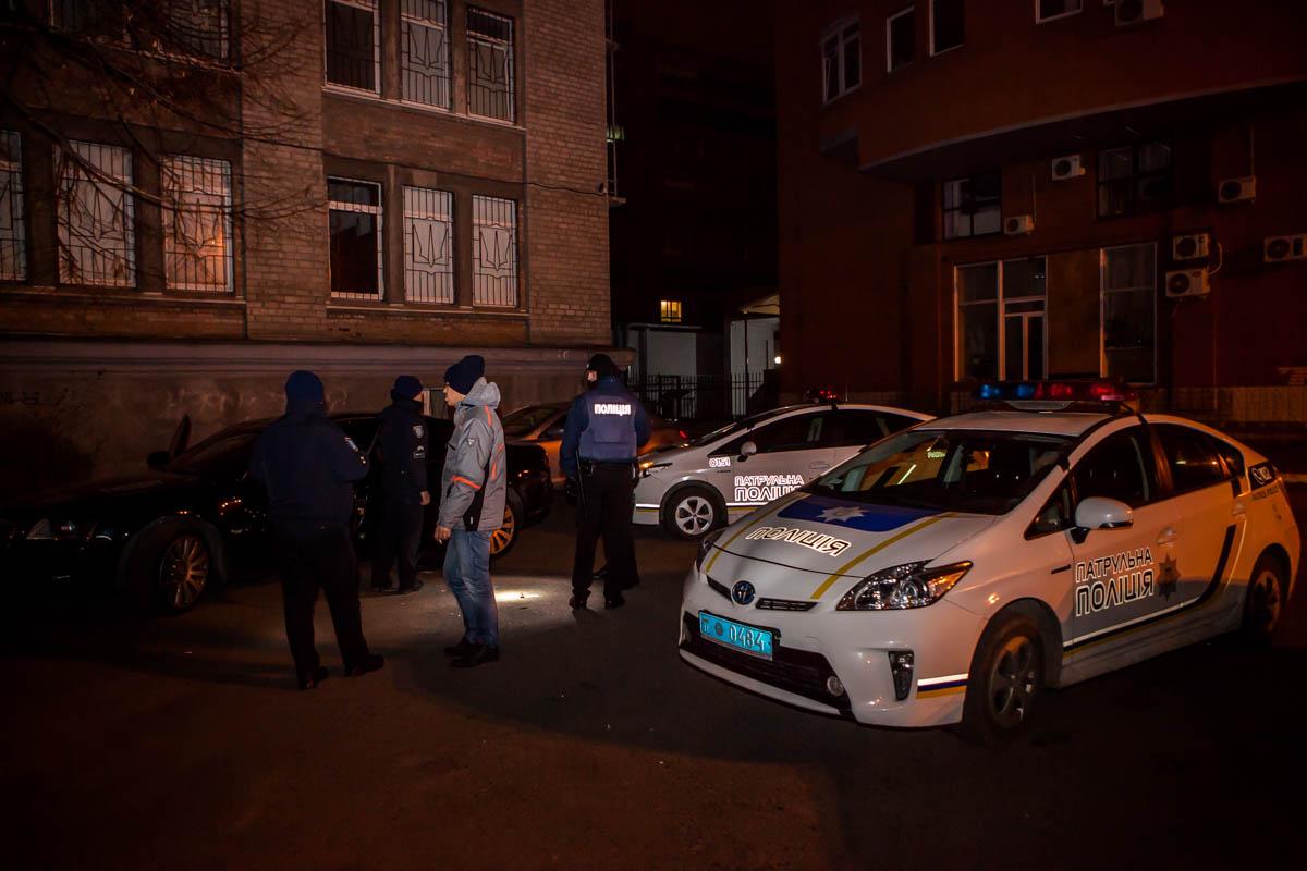 Патрульная полиция нашла машину возле прокуратуры
