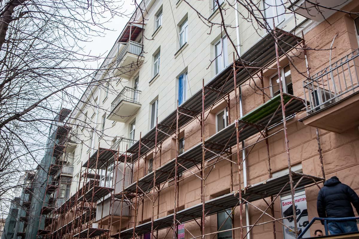 Во время работ демонтировали около 300 кондиционеров с фасадов