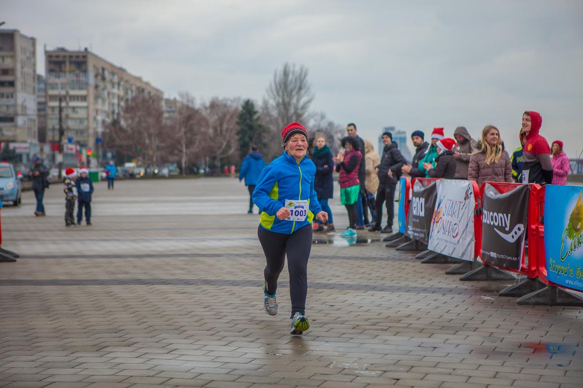 Самая старшая участница забега - 69-летняя Людмила Авраменко
