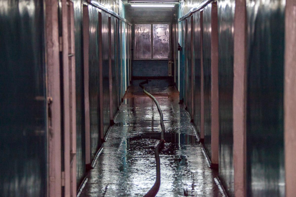 Пожар начался в одной из комнат, расположенной на 10 этаже